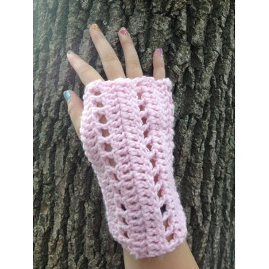 Easy Lacey Fingerless Gloves