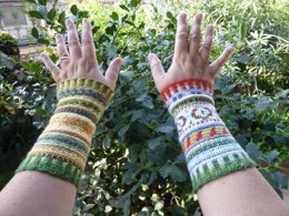 FALL AND WINTER WRIST WARMERS