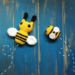 Blossom the Queen Bee and Clover the baby bee