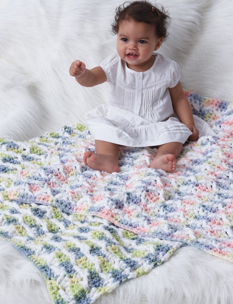Baby Blanket in Bernat Softee Chunky | Knitting Patterns ...