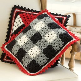 Plaid Pillow in Red Heart Super Saver Economy Solids - LW2129