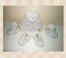 Baby hat booties and mittens