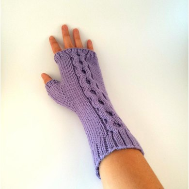 Long Wristed Chain Cable Mittens