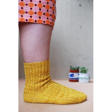 Muddy Daffodils Knitting Pattern By Clare Devine