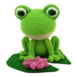 Verdi the Frog Amigurumi