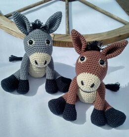 Dennis the Donkey - US Terminology - Amigurumi