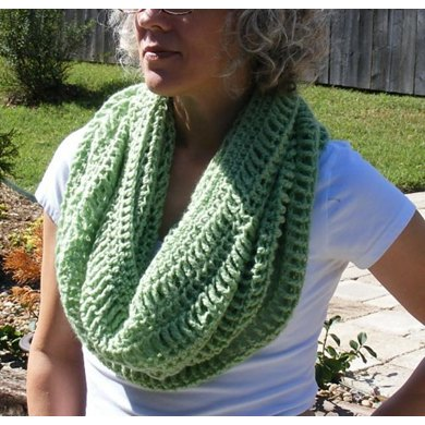 Loose Lace Cowl
