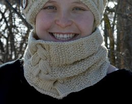 Song of Joy Cowl