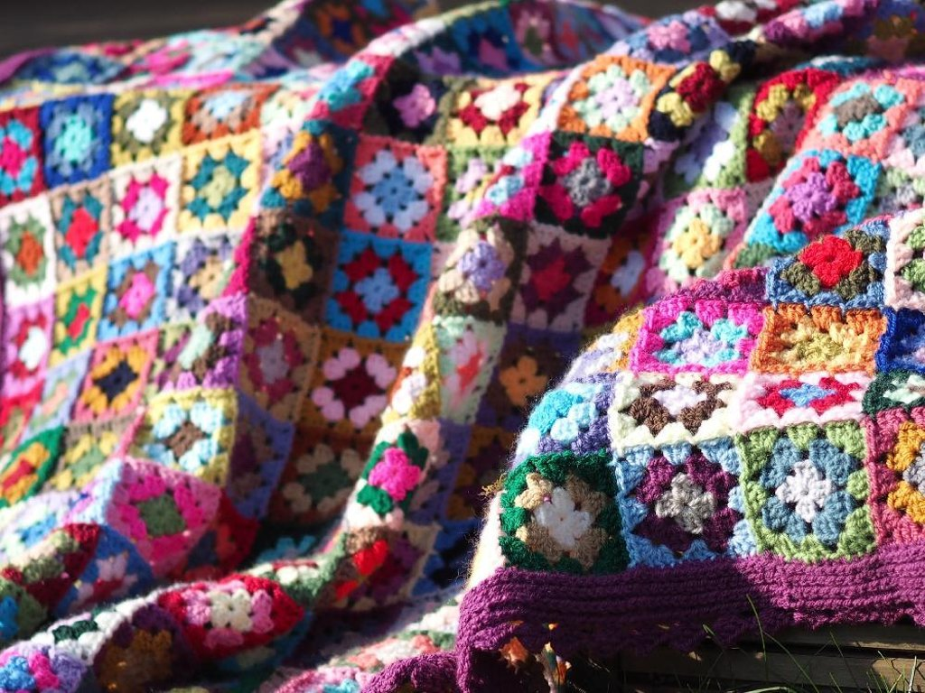 Free Blankets And Throws Crochet Patterns | LoveCrochet