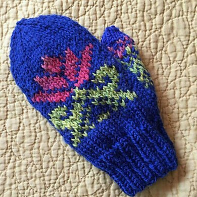 Water Lily Mittens