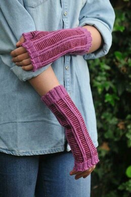 Pinstripes & Chains Mitts