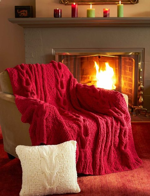 Horseshoe Cable Blanket And Pillow In Bernat Blanket