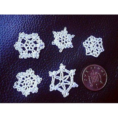 1:12th scale Christmas snowflakes