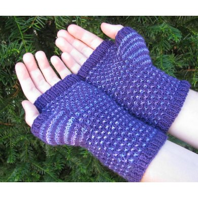 Mock Colorwork Fleckle Mitts