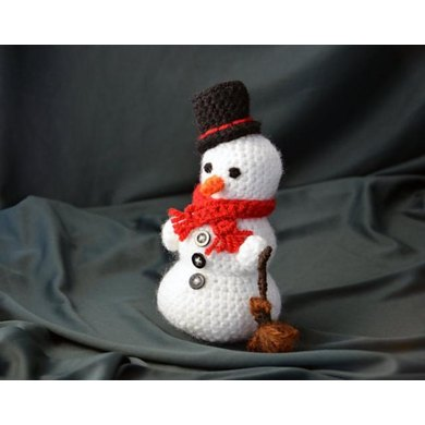 Frosty the Snowman Crochet Pattern, Snowman Amigurumi