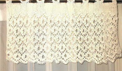 ENGLISH LACE Knitted Valance