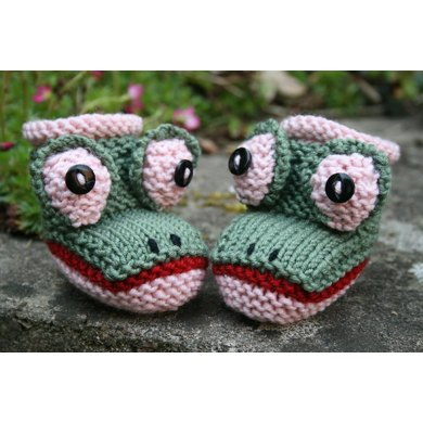 Froggy Booties