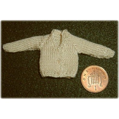 1:12th scale Toddlers or Girls V-neck cardigan