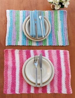Stripes Placemat in Lily Sugar 'n Cream Stripes