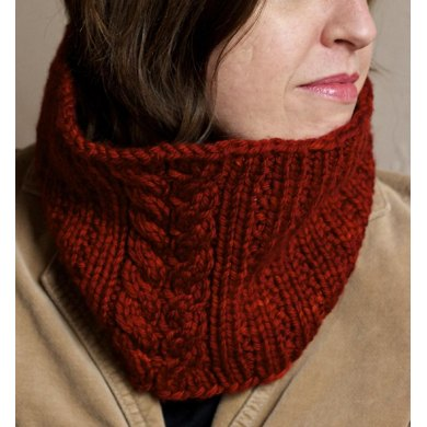 Rhonda in Midwinter Cowl
