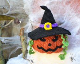 Pumpkin witch amigurumi
