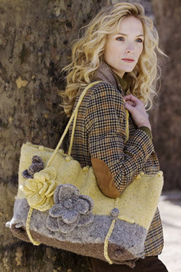Felted Floral Tote in Tahki Yarns Donegal Tweed