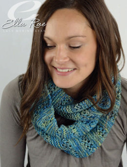 Infinity Scarf in Ella Rae Lace Merino Aran - ER22-01 - Downloadable PDF