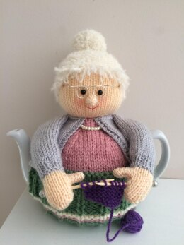 Knitting Nana tea cosy