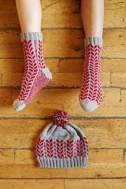 Silver Maple Comfy Socks & Beanie