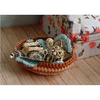 1:24th scale Pet basket and blanket
