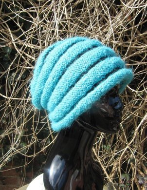 Chunky Roll Brim Stripey Beehive Slouch Hat Knitting pattern