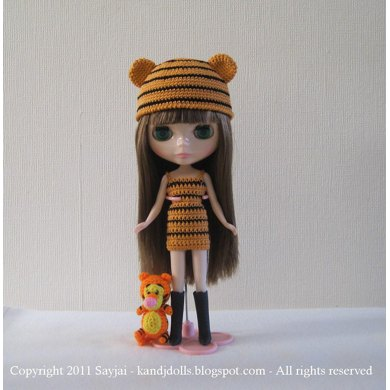 Tiger Hat and Dress Crochet Pattern For Blythe Dolls
