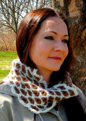 The Bees Knees Cowl