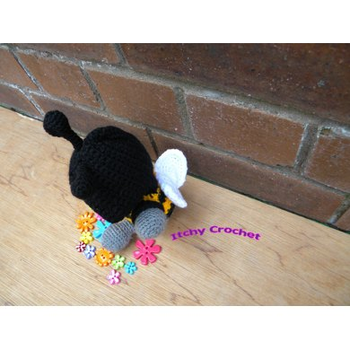 Inchoate Bumble Bee Crochet Pattern By Itchy Crochet Designs