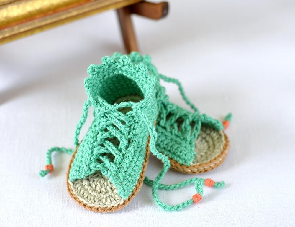 1000 Images About Bb On Pinterest: Gladiator Baby Sandals Crochet Pattern By Caroline Brooke