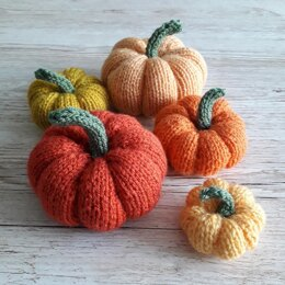 Easy knitted Pumpkins