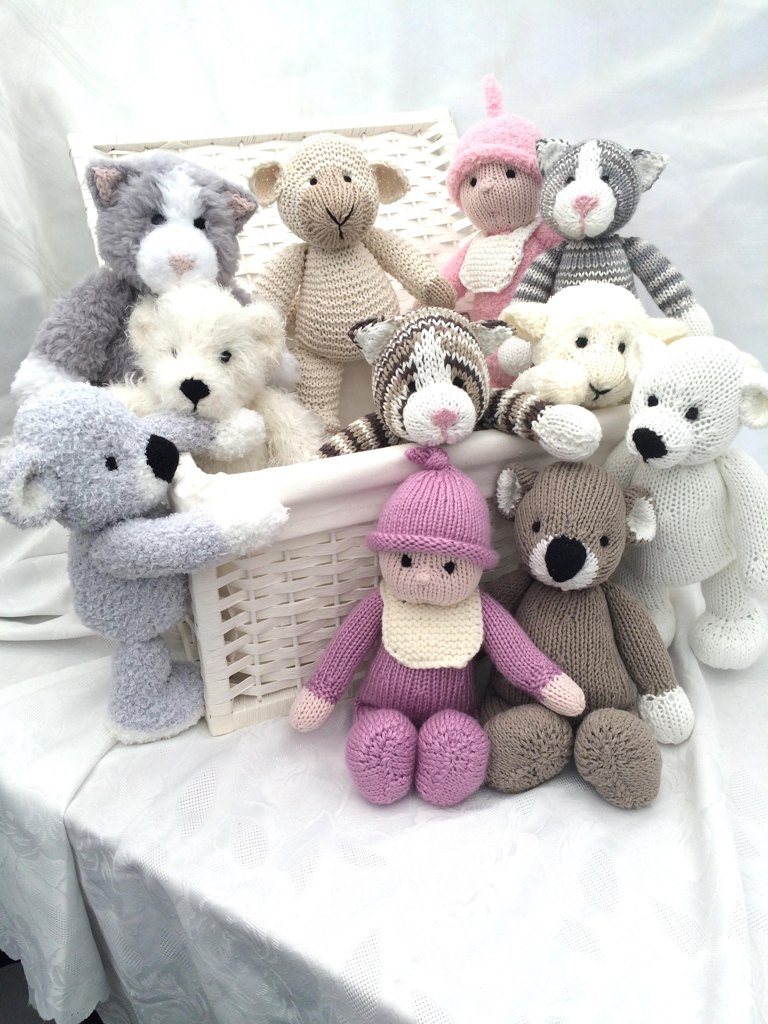 Knitting patterns for toys loveknitting toys from the toybox bankloansurffo Image collections