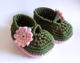 Baby shoes green  pink