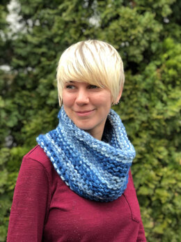 Garter Stitch Cowl  in Plymouth Yarn Mega Cakes - F860 - Downloadable PDF