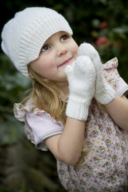 Snow White - Peak Hat and Simple Mittens - Little Cupcakes - Pattern - Lc09