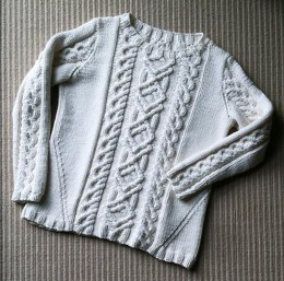 Lariana Cabled Pullover