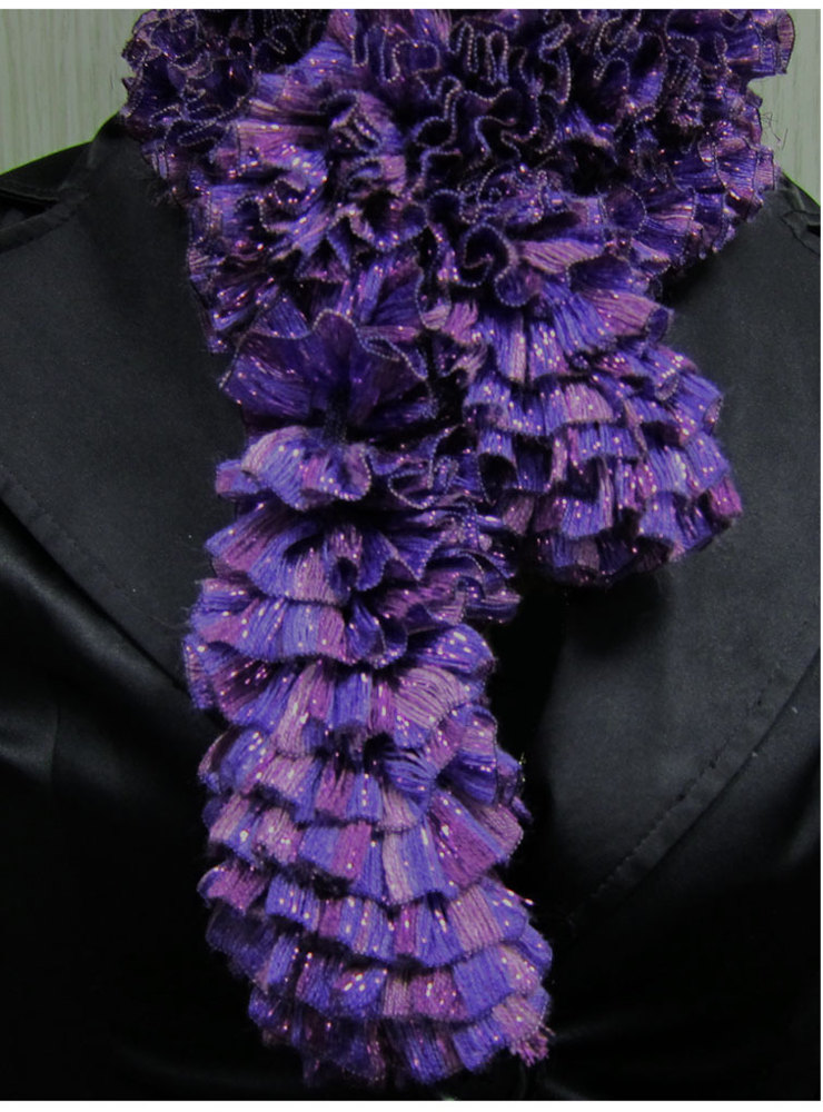 Knitting Fever Patterns : Scarf in knitting fever tinseltown patterns