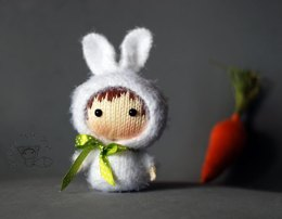 White Bunny Doll with carrot. Tanoshi series toy.