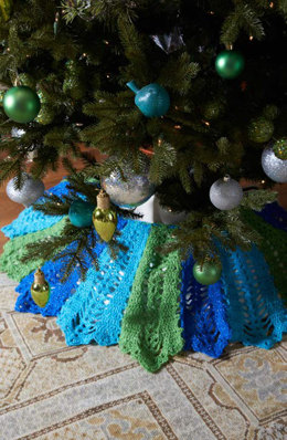 Holiday Tree Skirt in Red Heart Celebration - LW3635 - Downloadable PDF