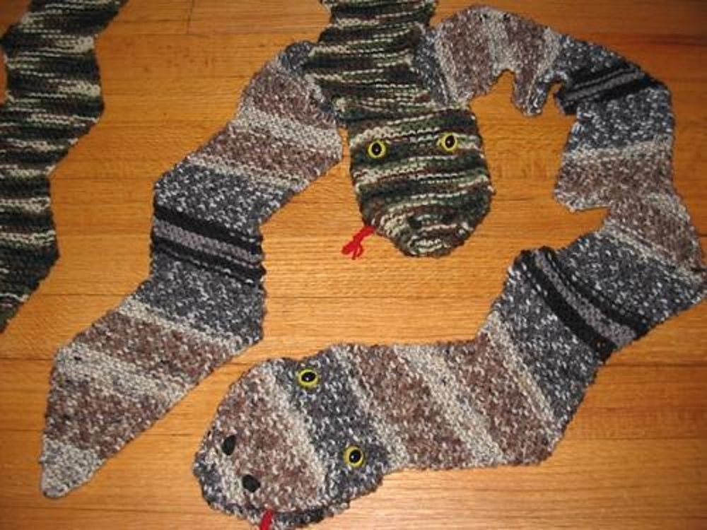 Snake Scarf Knitting Pattern : Knitted Snake Puppet Scarf Knitting pattern by Kay Meadors Knitting Pattern...