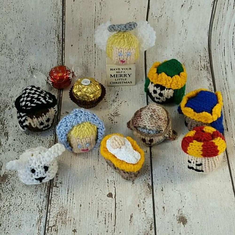 Knitting Pattern For Christmas Pudding To Cover Chocolate Orange : Nativity Christmas Chocolate Covers / Cosies Knitting pattern by Lilac Sprig ...