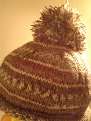 Self patterning Pom Pom Hat