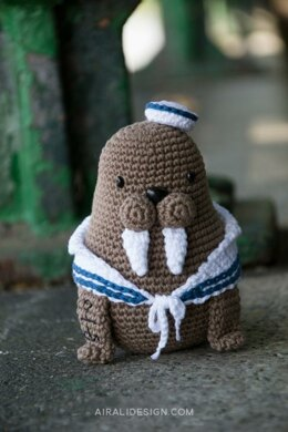 Caterino the amigurumi walrus