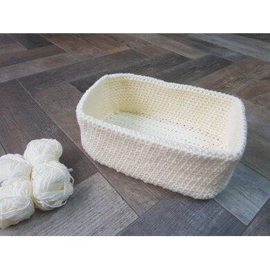 Basic crochet basket