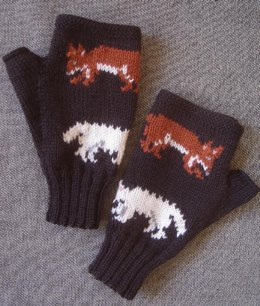 Red and white fox fingerless gloves/mitts